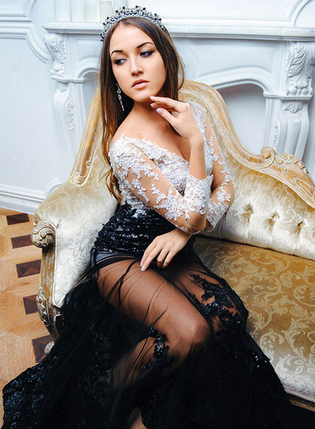 Sexy V Neck Black Lace Prom Dress