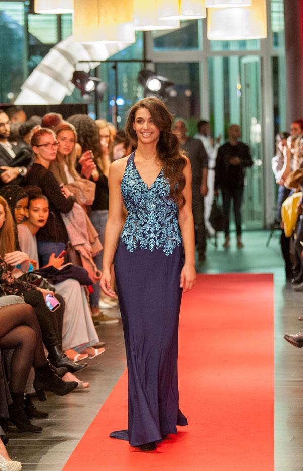 Halter V-cut Long Prom Dress